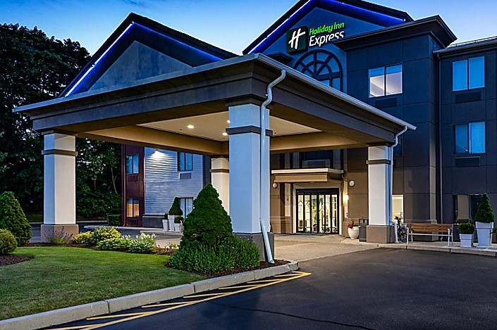 Holiday Inn Express Middletown 9*
