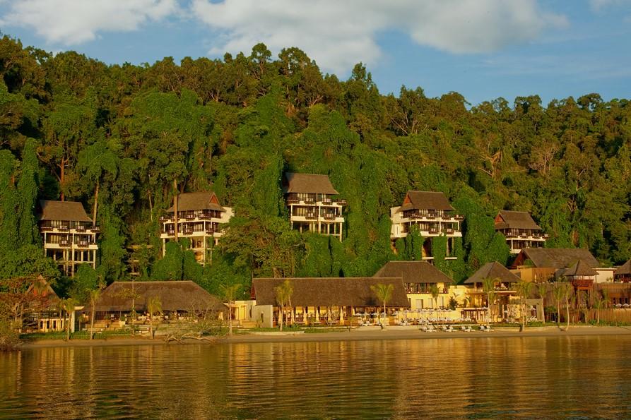 Gaya Island Resort 4*