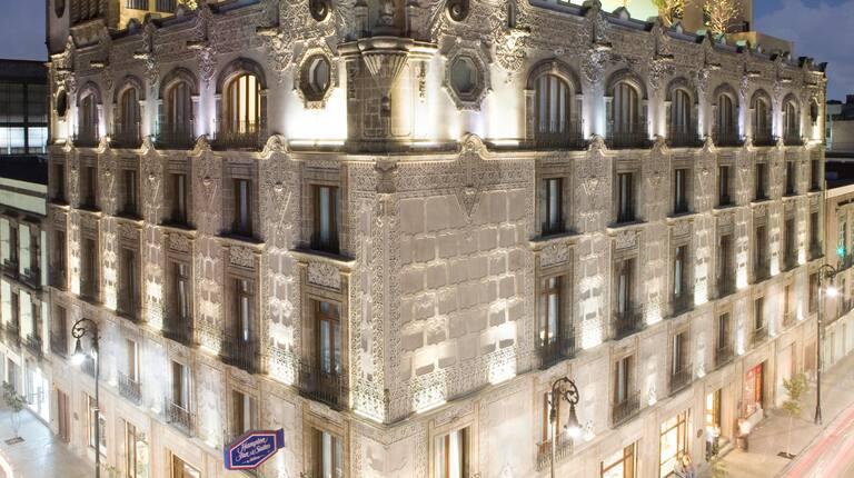 Hampton Inn & Suites by Hilton 4*