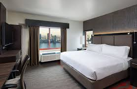 Holiday Inn Manhattan Financial District 4*
