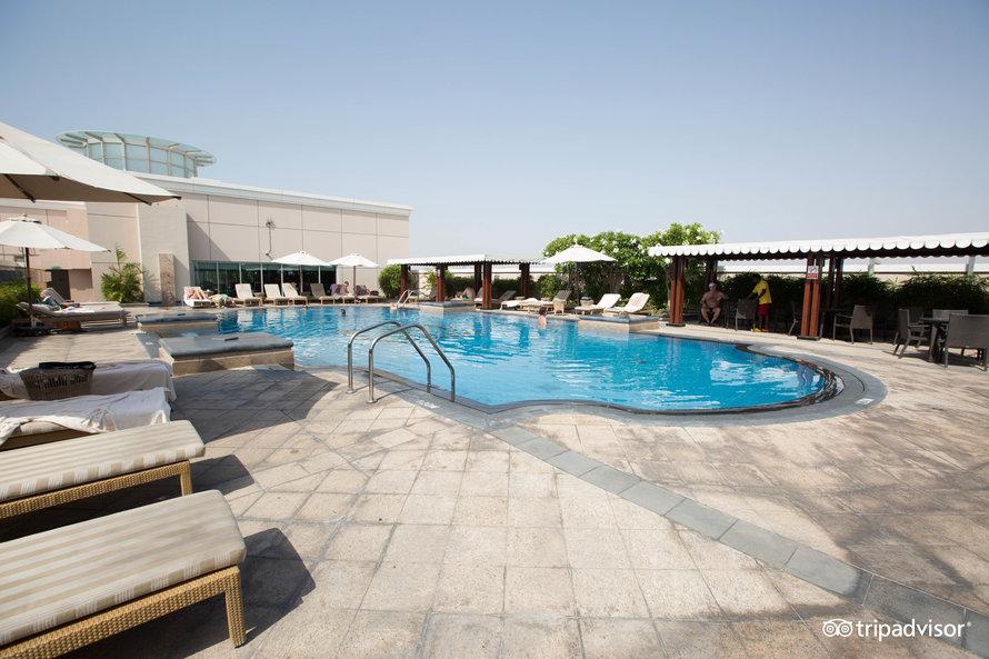 Ramada by Wyndham Jumeirah 4*